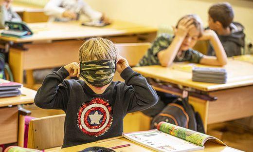 Reportage Schulalltag mit Corona-Regeln - VS13 Volksschule am Spitalberg - Klagenfurt September 2020