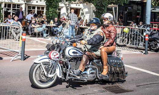 In Velden präsentierten zahlreiche Besucher stolz ihre Bikes.