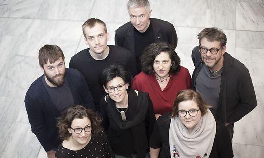 Elisabeth Leitner (unten links) gemeinsam mit ihrem Team