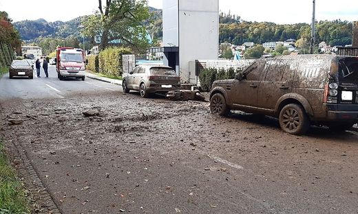 Fahrzeuge und ein Geschäftslokal wurden beim Murenabgang beschädigt