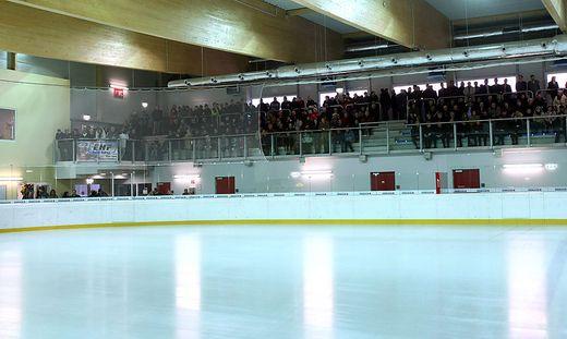 EISHOCKEY - Eroeffnung der Eishalle Hart