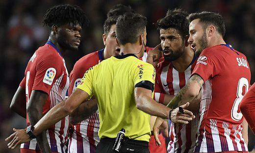 Wirbel um Diego Costa (2. von rechts)