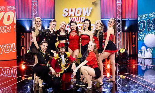 """Die """"Kata Mackh Dance Company"""" steht auf der Puls 4-Talentebühne."""