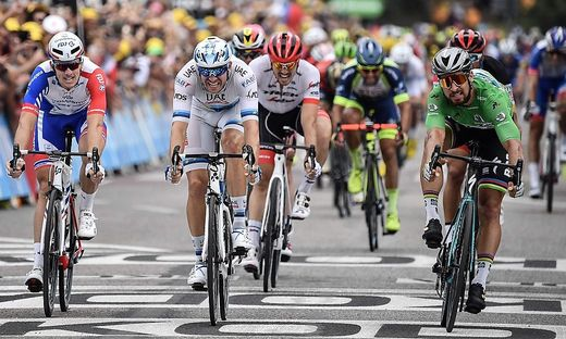 Peter Sagan (in grün) war im Zielsprint schneller als die Konkurrenz