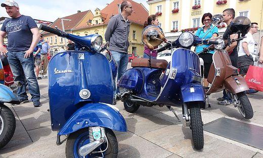 Die italienischen Kultroller knattern am Samstag wieder durch Bruck