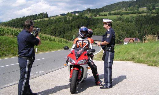 Mit dem Motorrad-Saisonstart verstärkt die Polizei auf der Soboth wieder ihre Kontrollen