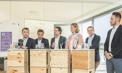 Präsentierten das Start-up Barometer: Werner Sammer (Up to Eleven), Alfred Gutschelhofer (KF Uni), Matthias Ruhri (Up to Eleven), Landesrätin Barbara Eibinger-Miedl, Christoph Kovacic (Junge Wirtschaft), Karl Maria Gerngroß (IdeenTriebwerk)