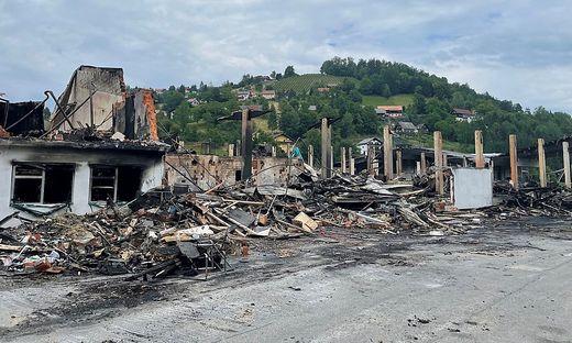 Ursache für den Brand war ein chemische Reaktion. Der Schaden soll mehrere Millionen Euro betragen