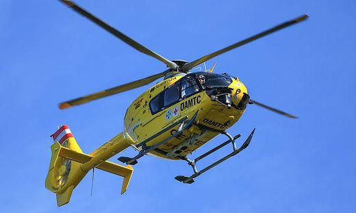 Der verletzte Bursche wurde mit dem Notarzthubschrauber in die Innsbrucker Klinik geflogen