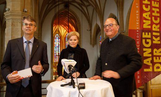 Laden zur Langen Nacht der Kirchen: Superintendent Wolfgang Rehner, Organisatorin Gerti Schaller-Pressler und Stadtpfarrpropst Christian Leibnitz