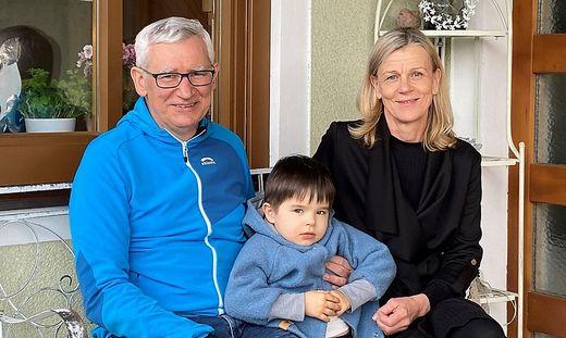 Alfred Gert mit Ehefrau Barbara und Enkelsohn Luca