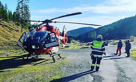 Der schwer verletzte Mann wurde mit dem Rot-Kreuz-Rettungshubschrauber ins LKH Villach eingeliefert