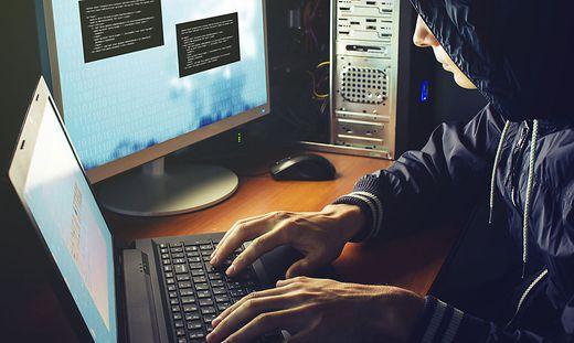 Kriminelle machen sich die Unerfahrenheit vieler Menschen beim Online-Shopping zunutze