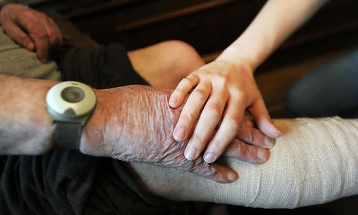 Im Pflegeheim Tatzl hofft man auf eine Fortführung des Betriebes (Symbolfoto)