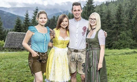 Alexandra, Melanie, Manuel und Birgit (von links)