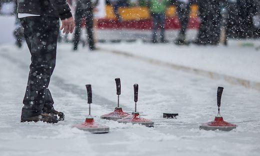 Im Bezirk St. Veit trafen sich Eisschützen aus vier Gemeinden und zwei Bundesländern (Symbolfoto)