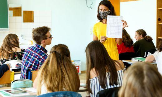 Soll es eine Corona-Impfpflicht für Lehrpersonal geben?