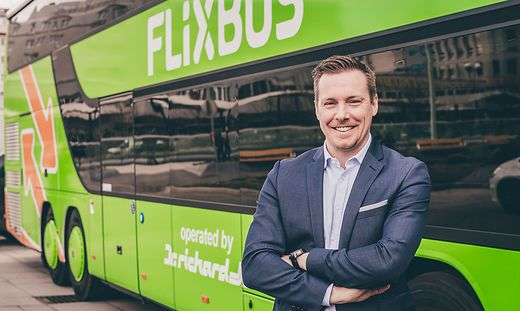 FlixBus will auf den Highway