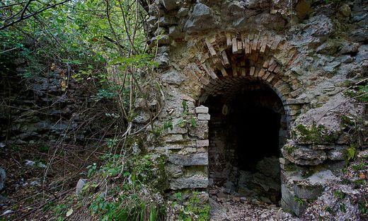 Blick in die Ruinen von Fort Hensel