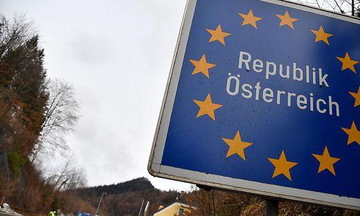 """Auf das österreichische Staatsgebiet beschränkt ist die Wirkung des """"Grünen Passes"""" in der ersten Phase. Die Datenschutzfragen müssen dennoch bereits geklärt sein."""