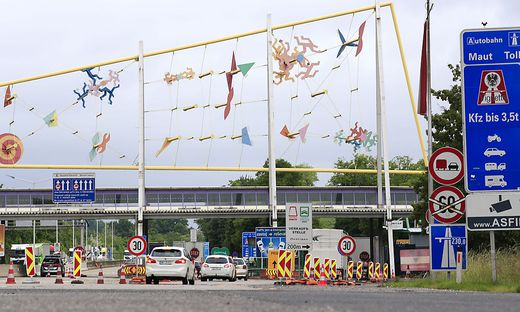 Kontrollen am Grenzübergang in Spielfeld