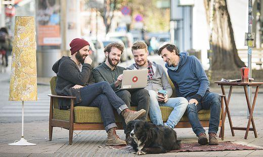 Gründeten 2014 FragNebenan: Andreas Förster, Stefan Theißbacher, Valentin Schmiedleitner und Mathias Müller (von links)