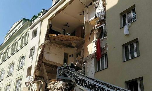 Das schwer beschädigte Wohnhaus gilt weiterhin als einsturzgefährdet