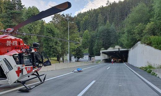 Pilot Werner Schaffer landete vor dem Tunnel