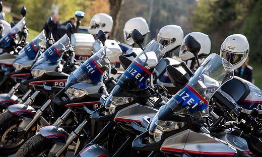 Schleierfahndung Polizeimotorradeinheit aus Wien Schwerpunkt Roadrunner Kontrolle Velden Polizei Verkehrskontrolle