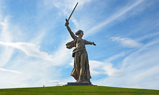 """Mutter Heimat ruft"":  die Kolossal-Statue in Wolgograd"