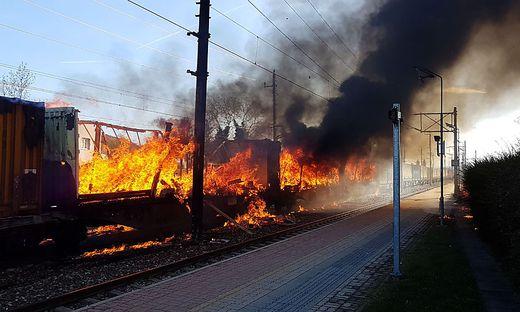 Aufgrund von Reparaturarbeiten nach Brand von Güterwaggons - Verzögerungen zwischen Wiener Neustadt und Wien Meidling