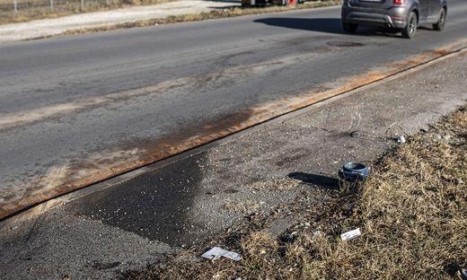 Hier ereignete sich der Unfall. Der Hydrant wurde ausgerissen.