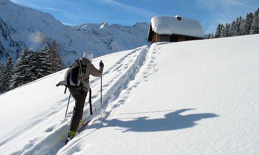 """Skifahren ohne Pisten- und Liftinfrastruktur in der """"freien Wildbahn"""": Das Tourengehen wird immer beliebter. Lenkungsmaßnahmen werden notwendig"""