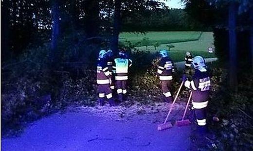 Die Feuerwehr Kaindorf rückte mit 16 Mann aus