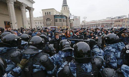 Aktionen gab es Nawalnys Team zufolge in rund 100 Städten.
