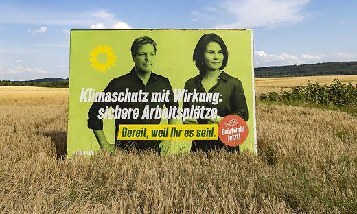 Annalena Baerbock muss in die zweite Reihe.  Das Sagen hat bei den deutschen Grünen jetzt Robert Habeck