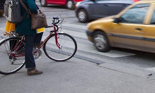 Sowohl für Radfahrer als auch für Autolenker wird vieles neu (Symbolfoto)