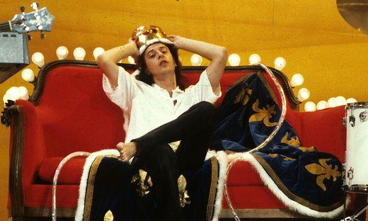 Der Sänger Rio Reiser bei einem Auftritt als König von Deutschland 1986