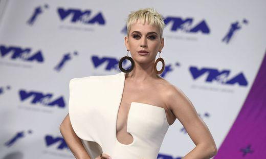 Streit um Klosterverkauf an Katy Perry: Nonne starb im Gerichtssaal
