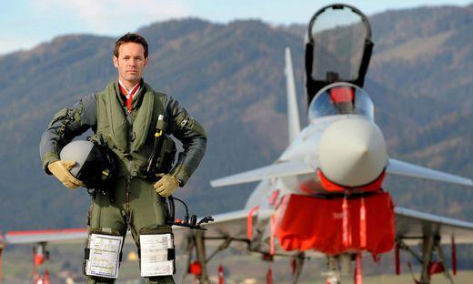 Dietrich Springer ist seit 30 Jahren Pilot. Der Grazer ist in Zeltweg stationiert