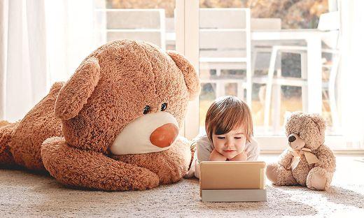 Internetfähige Geräte importieren Gefahrenquellen in den kindlichen Alltag
