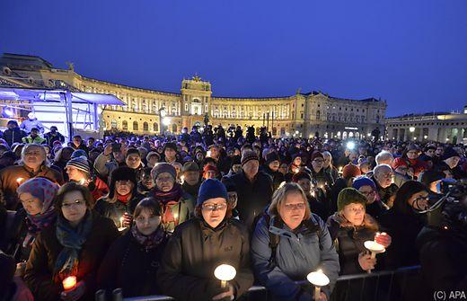 Tausende beim Gedenken an Ute Bock in Wien