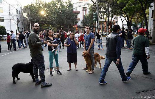 Stärke von 7,2 auf der Richterskala Heftiges Erdbeben erschüttert Mexiko