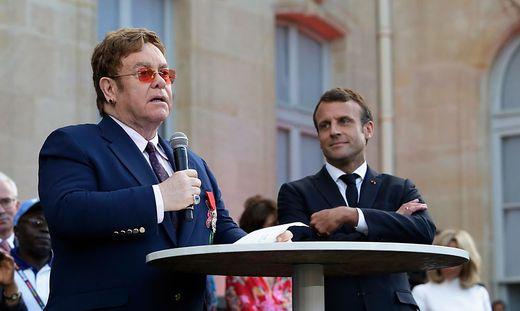 Macron verlieh Elton John höchste Auszeichnung Frankreichs