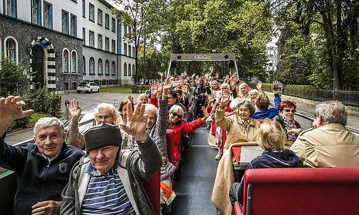 Grazer Senioren auf Ausfahrt mit dem Cabrio-Bus