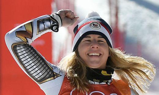 So freut sich Ester Ledecka ohne Brille über ihren Sieg