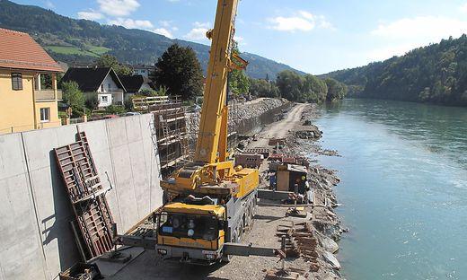 In Lavamünd sind zwei Drittel der Hochwasser-Schutzmauer an der Drau fertiggestellt