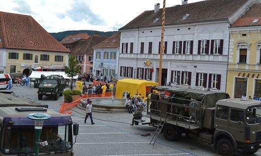 Für die Dreharbeiten wurde der Pöllauer Hauptplatz eigens gesperrt