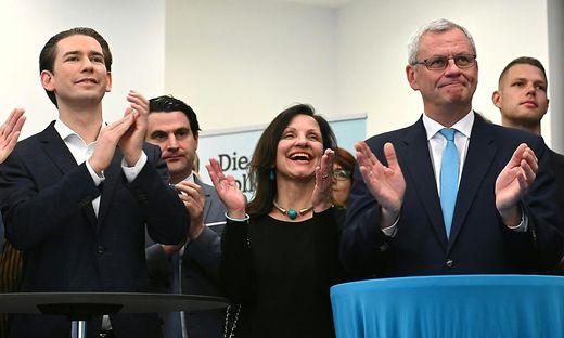 Verhaltene Freude: ÖVP-Spitzenkandidat Thomas Steiner (r.) und Bundeskanzler Sebastian Kurz (ÖVP)