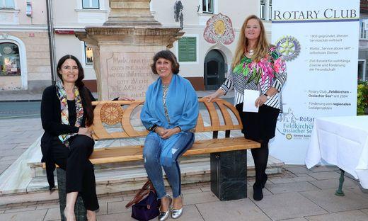 Sitzen schon gemütlich:Helga Palasser, Susanne Zinell, Laggner-Primosch .